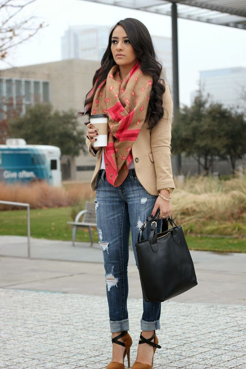 jeans-distressed-outfit